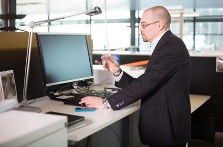 Стол-трансформер для офисных работников