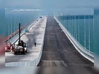 На Керченском мосту завершена половина свайных работ