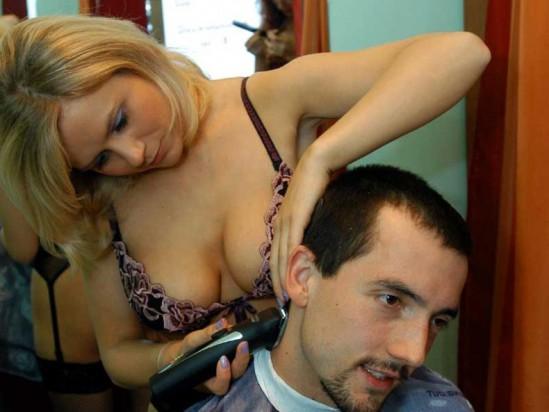 Топлес парикмахерская