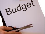 Президент России признал, что сокращения расходов не избежать
